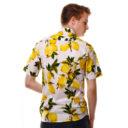 Риза на бял фон с десен на лимони изработена от Shirtwise