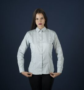 Women shirt with skiers and snowboarders